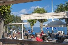 Restaurante en la costa escarpada de Brodtener cerca del nde del ¼ de Travemà Fotografía de archivo