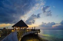 Restaurante en Maldivas Imágenes de archivo libres de regalías