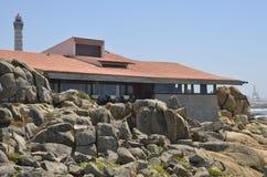 Restaurante en rocas Fotos de archivo