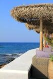 Restaurante exterior na praia Imagens de Stock