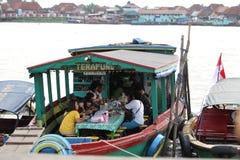 Restaurante flotante Fotografía de archivo