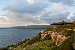 Restaurante litoral no monte foto de stock