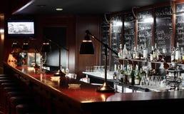Restaurante luxuoso no estilo europeu imagens de stock