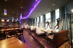 Restaurante luxuoso no estilo europeu Foto de Stock Royalty Free