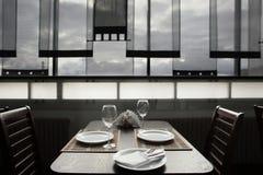 Restaurante luxuoso no estilo europeu Fotos de Stock Royalty Free