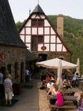 Restaurante medieval en Bernkastel, Alemania Fotografía de archivo libre de regalías