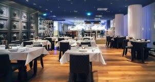 Restaurante moderno Imagem de Stock Royalty Free