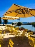 Restaurante na água imagens de stock royalty free