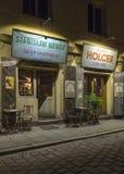 Restaurante na rua de Szeroka - Krakow imagens de stock
