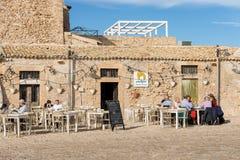 Restaurante na vila de Marzamemi - ilha Itália de Sicília fotos de stock royalty free