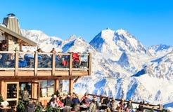 Restaurante nas montanhas Ski Resort Courchevel Fotos de Stock Royalty Free