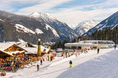 Restaurante no coração de esqui de Planai & de Hochwurzen do Schladming-Dachstein Styria, ?ustria, Europa fotos de stock