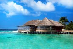 Restaurante no oceano, Maldivas Imagens de Stock Royalty Free