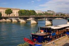 Restaurante no Seine fotos de stock royalty free