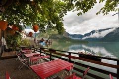 Restaurante por el lago Foto de archivo libre de regalías