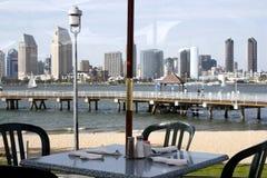 Restaurante por la playa Imágenes de archivo libres de regalías