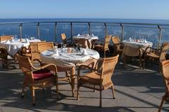 Restaurante romántico de la opinión del mar Fotografía de archivo libre de regalías