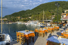 Restaurante típico em Vasiliki, Lefkada, ilhas Ionian Fotografia de Stock Royalty Free