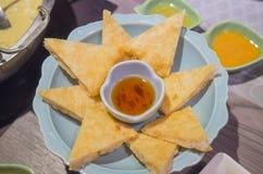 Restaurante tailandés en los grandes almacenes - empanadas del camarón de la Lleno-luna Fotografía de archivo libre de regalías