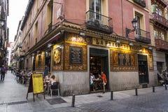 Restaurante tradicional, distrito de Huertas, Madrid, España fotografía de archivo libre de regalías