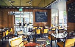 Restaurante vazio no hotel de Amsterdão imagem de stock