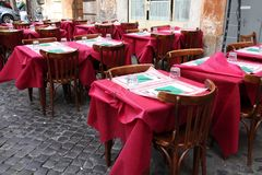 Restaurante velho da cidade em Roma fotografia de stock