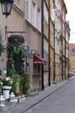 Restaurantes en la capital polaca Varsovia imagenes de archivo