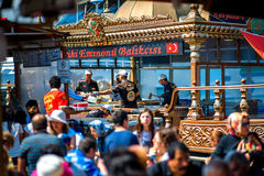 Restaurantes flotantes tradicionales de los pescados imagen de archivo libre de regalías