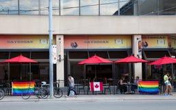 Restaurantes que muestran la ayuda para el orgullo del mundo foto de archivo libre de regalías
