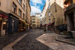 Restaurantes y tiendas en Lyon Foto de archivo