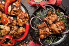 Restaurantfleisch richtet das fetthaltige Essen der Zusammenstellung an stockfotografie