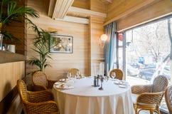 Restaurantinnenaufnahme Lizenzfreie Stockfotos