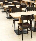 Restaurantmeubilair stock afbeeldingen