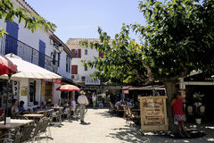 Restaurants in the city center of Saintes-Maries-de-la-Mer Stock Photo
