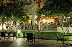 Restaurants d'intérieur et extérieurs Photos libres de droits