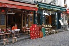 Restaurants an der richtigen Stelle du Tertre Stockfoto