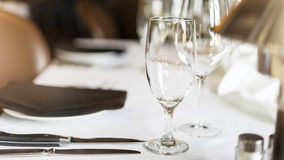 Restaurants fine dining table setting. Contemporary restaurants fine dining table setting Royalty Free Stock Photos