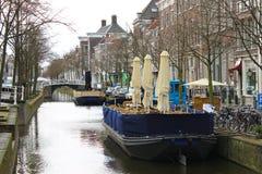 Restaurants op het kanaal van Delft Stock Fotografie