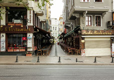 Restaurants turcs sur la rue de Divan Yolu Photo stock