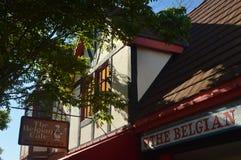 Restaurants van Solvang: Een Schilderachtig die Dorp door Denen met Zijn Typische Contructions van Historisch Denemarken wordt op stock afbeeldingen