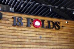 Restaurantzeichen mit 18 Falten stockfoto