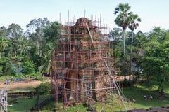 Restauratie bij Tempel Bakong Stock Foto