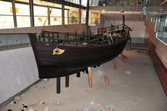 Restauratie van het oude Griekse schip Royalty-vrije Stock Afbeeldingen