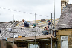 Restauration décorative de toit d'ardoise au Pays de Galles Photographie stock