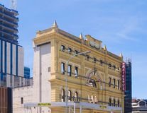 Restauration du vieux bâtiment de théâtre photos libres de droits