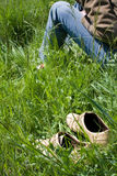 Reste sur l'herbe Images stock