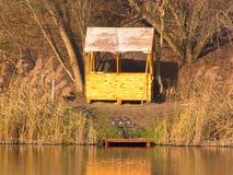 Reste sur un lac en automne Image libre de droits