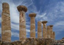 Restes d'un temple du grec ancien de Heracles (siècle de V-VI AVANT JÉSUS CHRIST), vallée des temples, Agrigente, Sicile images stock