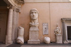 Resti della statua di Costantina Fotografie Stock Libere da Diritti