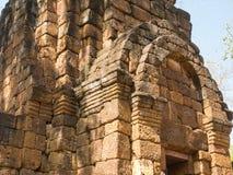 Resti di uno stile di khmer della costruzione Fotografia Stock Libera da Diritti